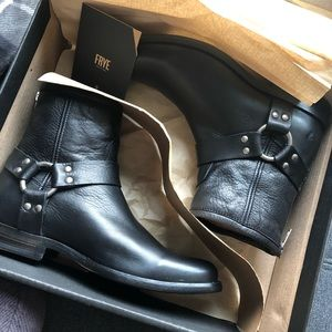 Women's BNIB Frye boots, size 6.5